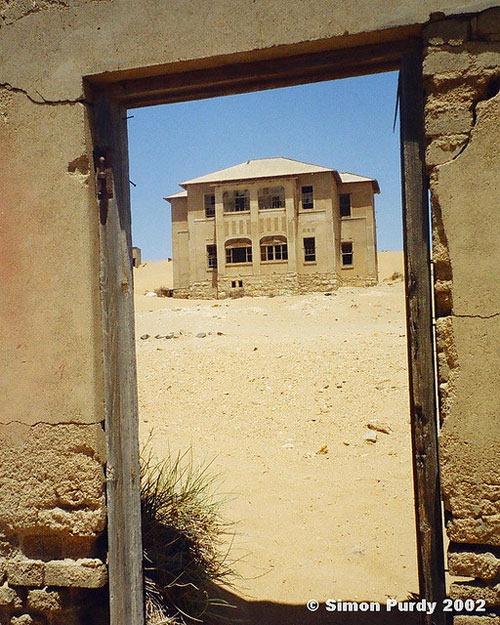 ghost-town-kolmanskop-mamibia